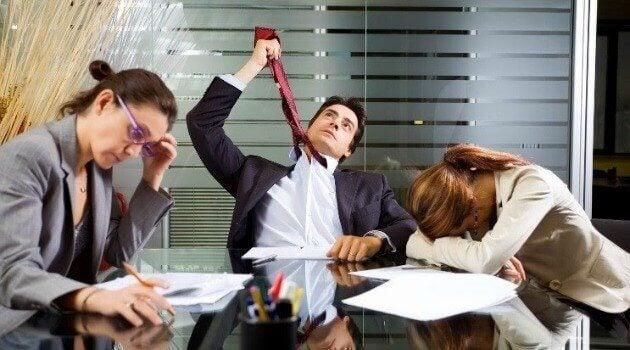 Zumbi no trabalho: culpa do trabalhador ou da empresa?