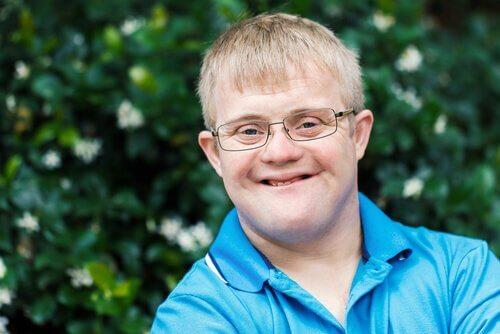 Jovem com síndrome de Down