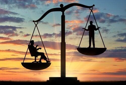 Pesar os prós e os contras para tomar uma decisão