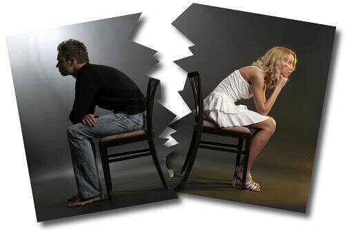 Casal brigado após discussão