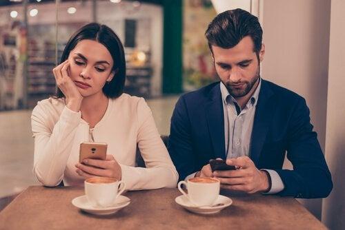 Os smartphones podem piorar os relacionamentos e anular a empatia