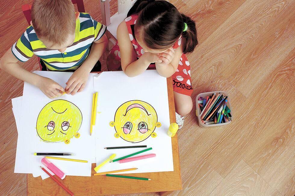 Crianças aprendendo a gerenciar as emoções