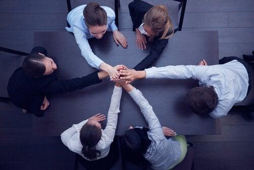 Como manter a equipe de trabalho unida