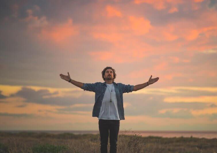 Fazer uma oração pessoal todas as manhãs
