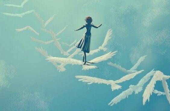Mulher caminhando sobre pássaros voando