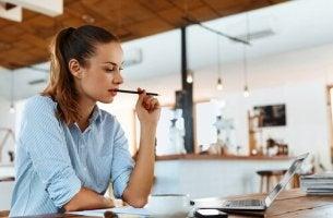 Trabalhar e estudar ao mesmo tempo