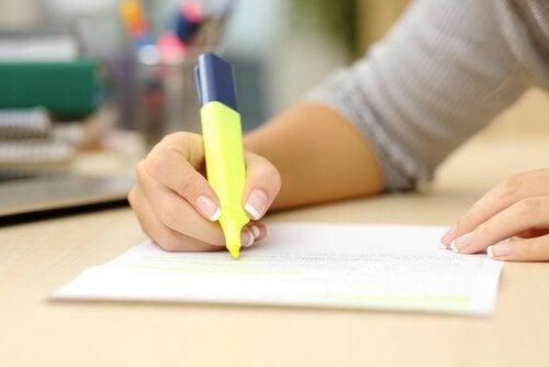 Estudar ressaltando os pontos importantes