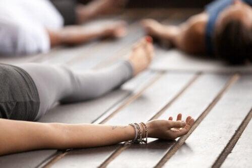 Aula de ioga nidra