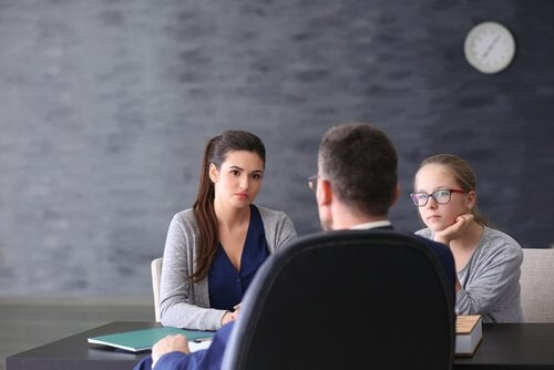 Colegas em reunião de trabalho