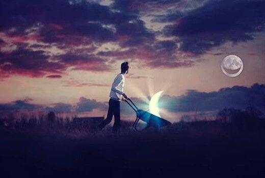 Homem carregando a Lua