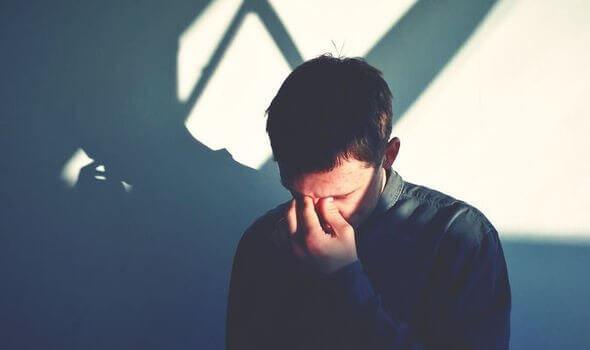 Homem enfrentando a depressão