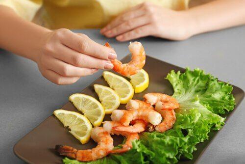 7 benefícios de consumir frutos do mar para o seu cérebro