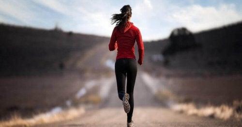 Como o exercício físico ajuda a superar um vício?