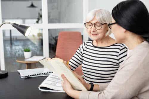 Ser bilíngue ajuda a prevenir o Alzheimer