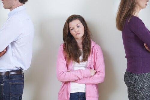 Pais em conflito com filha jovem