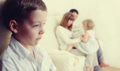 Como evitar o ciúme diante da chegada do irmão?