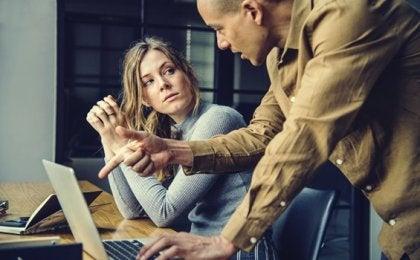 Narcisistas no trabalho: ambientes tóxicos e improdutivos