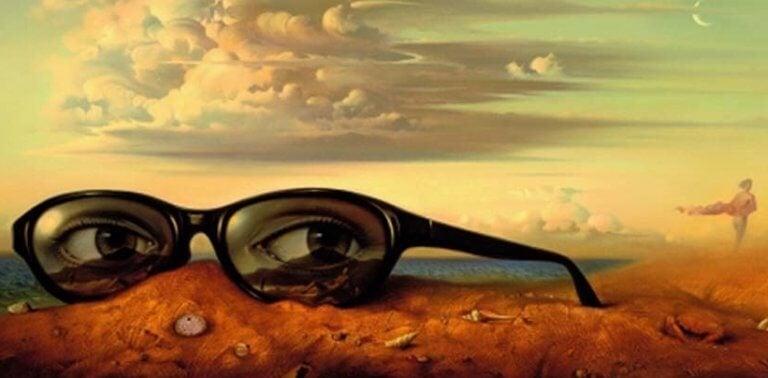 Óculos grandes em paisagem