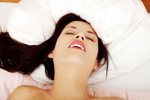 5 benefícios da masturbação feminina