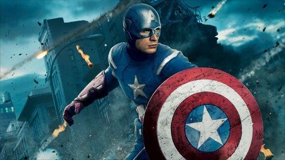 Capitão América com seu escudo