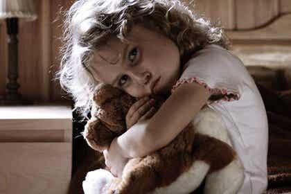 Por trás de uma criança hiperativa: traumas ou estresse infantil?