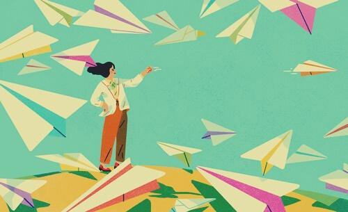 Mulher jogando aviões de papel