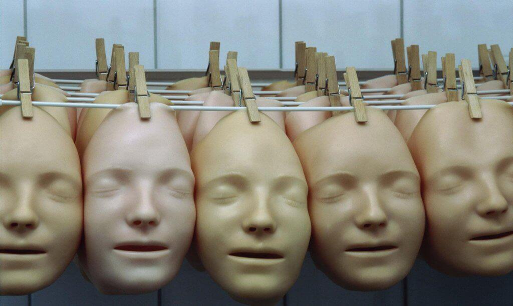 Máscaras penduradas