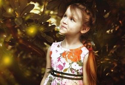 Menina com transtorno do espectro autista