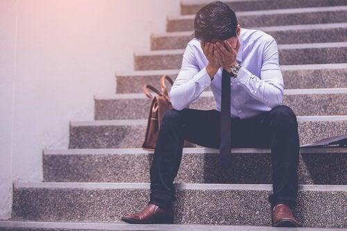 3 condições que levam à insatisfação no trabalho