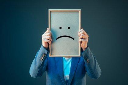 Homem tomado pelo pessimismo