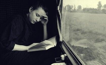 Os benefícios de ler durante uma viagem
