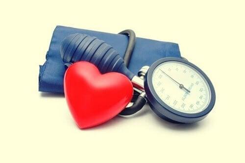 A vasopressina favorece a pressão arterial