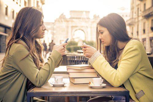 A falta de escuta consciente pode prejudicar as relações sociais