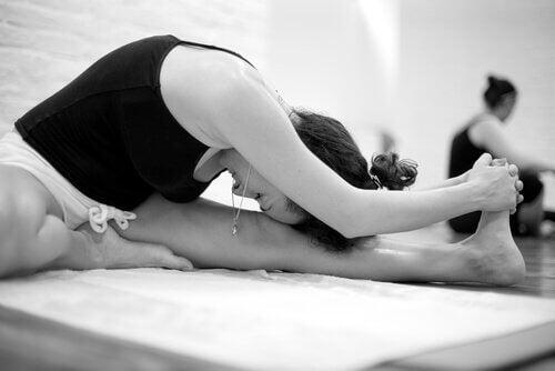 Bikram Yoga: características e benefícios