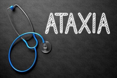 Ataxia: sintomas, causas e tratamento
