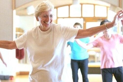 Quais os benefícios da dança na terceira idade?