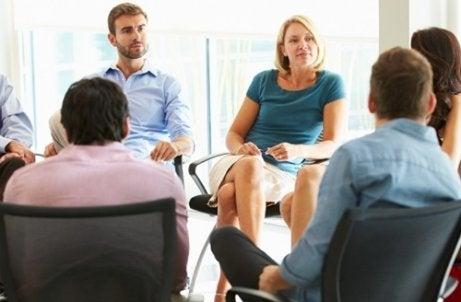 Como ser aprovado em uma entrevista de emprego em grupo?