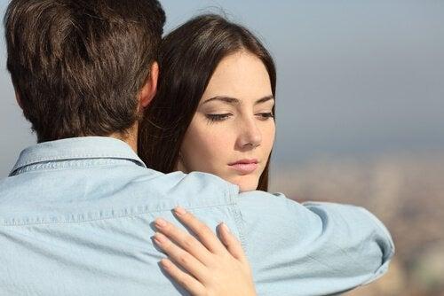 Casal terminando o relacionamento