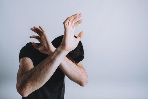 A linguagem corporal do medo