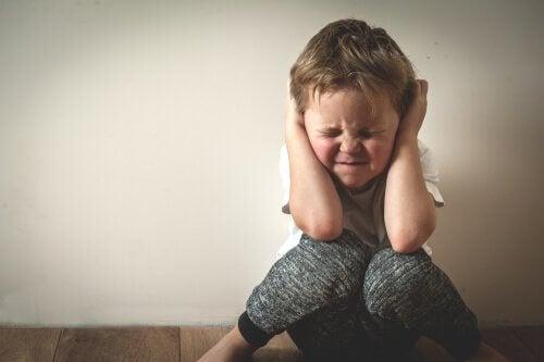 Criança com estresse tóxico