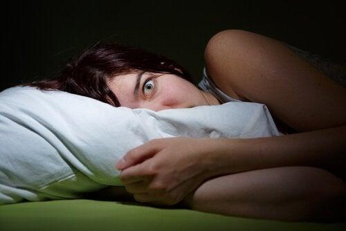 Alucinações hipnagógicas e paralisia do sono