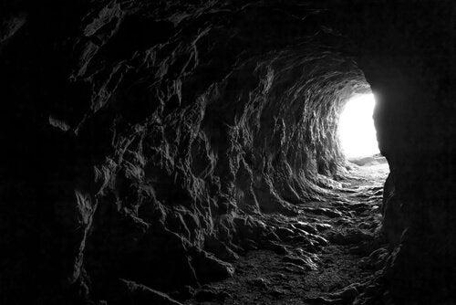 Saída de uma caverna