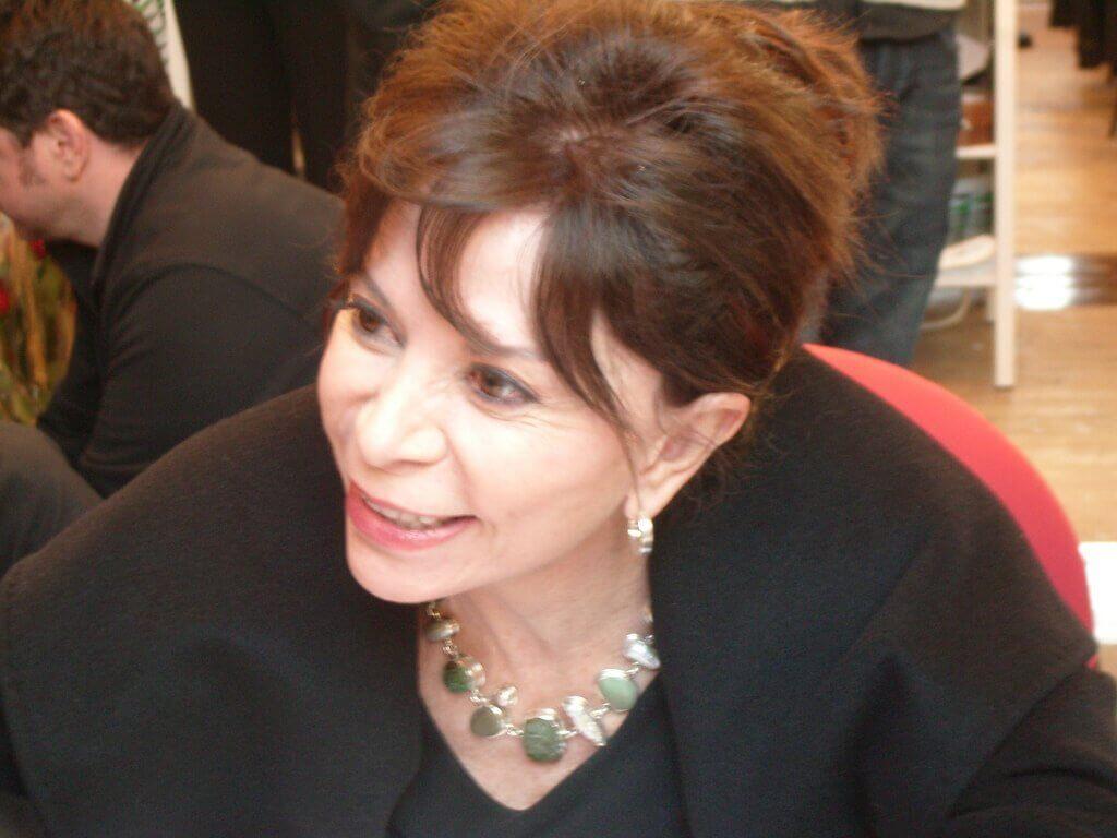 Isabel Allende sorrindo