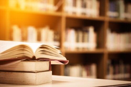Livros em biblioteca