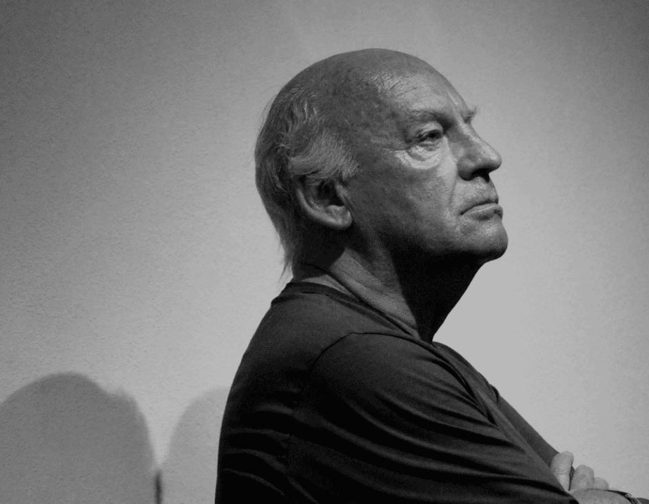 Eduardo Galeano de perfil