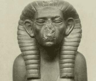 Estátua de Sobekneferu
