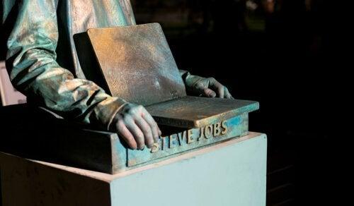 Estátua de Steve Jobs