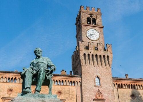 Estátua de Giusepe Verdi