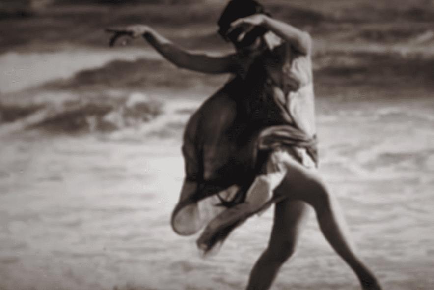 Isadora Duncan dançando