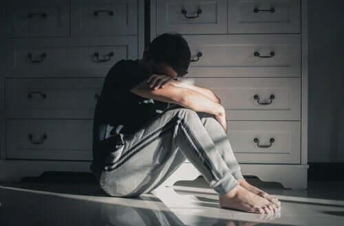 Comportamento suicida: variáveis relacionadas